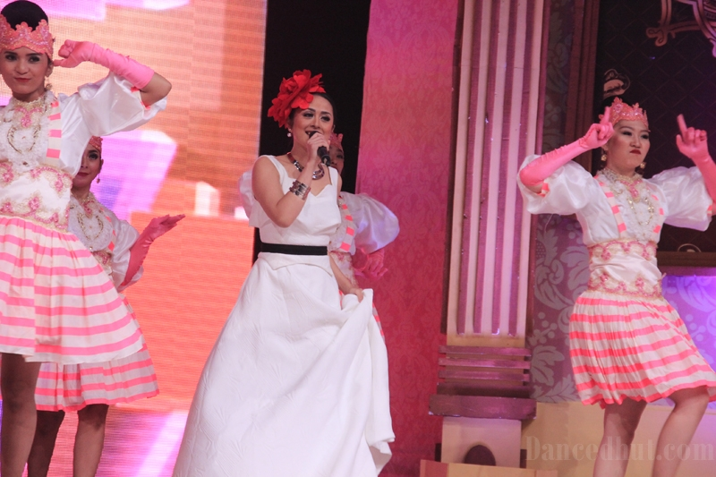 Selvi Kitty Performs at MNC TV
